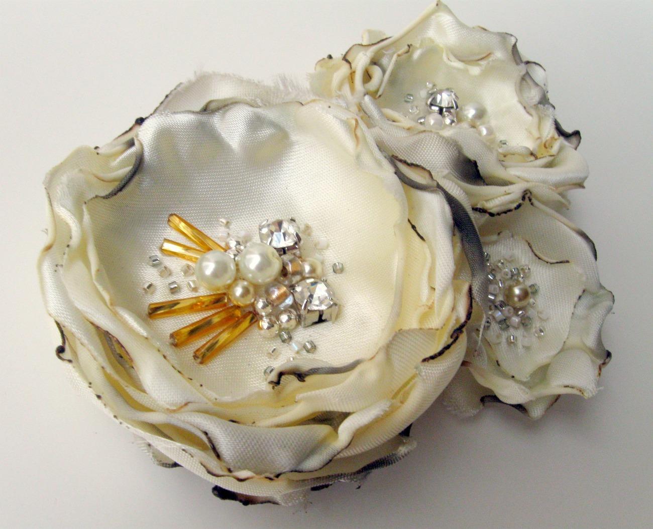 Ivory satin beaded flower trio.