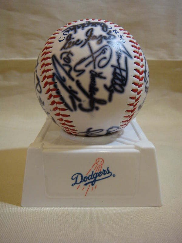 LOS ANGELES DODGERS REPRODUCED AUTOGRAPHED BASEBALL NEW