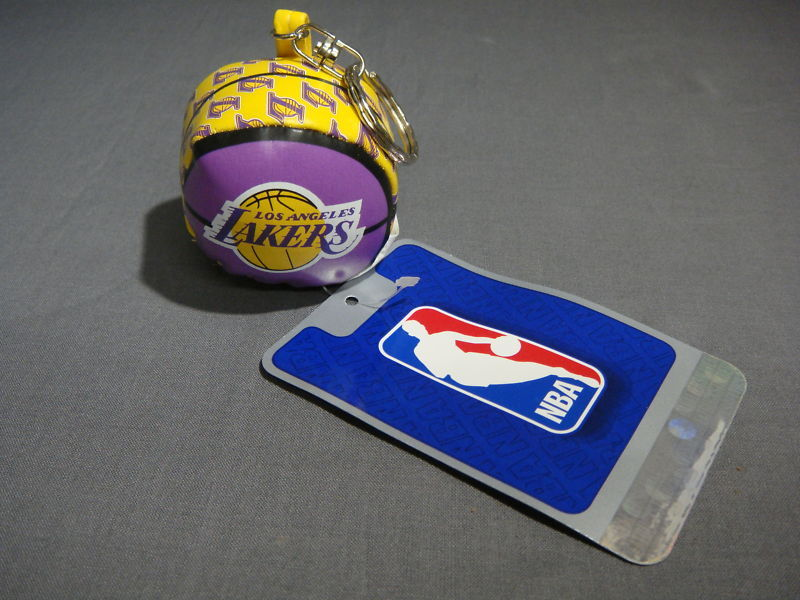 LOS ANGELES LAKERS HACKY SACK / FOOTBAG STYLE KEYCHAIN