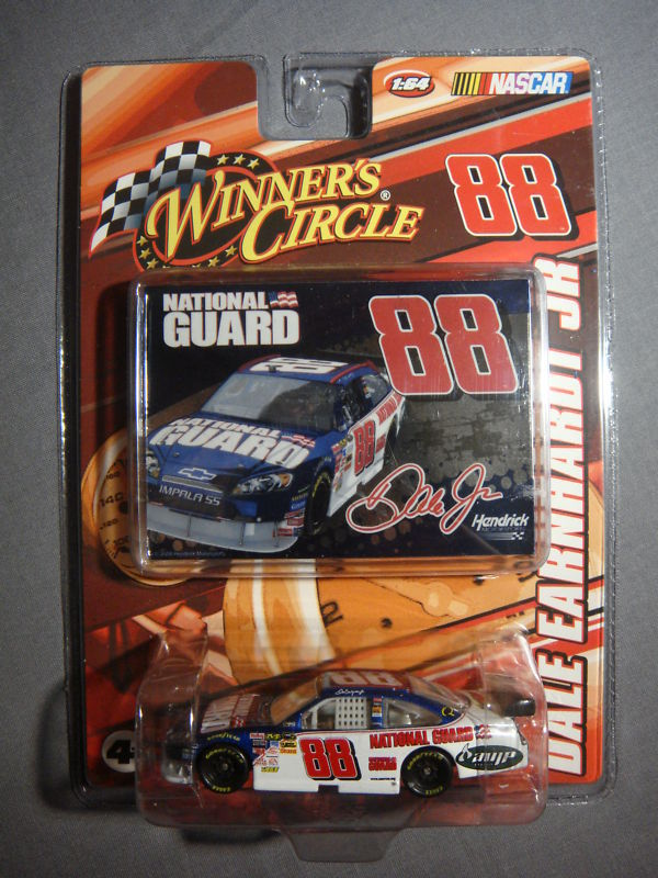 NASCAR CAR WINNERS DALE EARNHARDT JR 88 DIE CAST & CARD