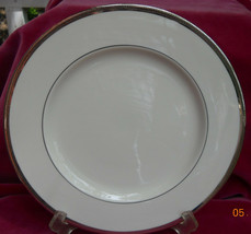 Theodore Haviland New York Shelton Salad Plate S Platinum Trim - $19.34