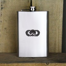 Distressed Air Force Basic Logistics Badge Veteran Stainless Steel Flask - €17,32 EUR