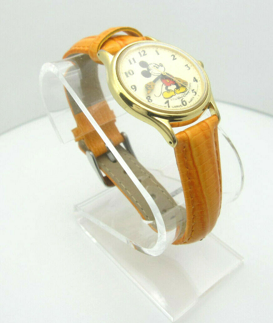 Primary image for Vintage Mickey Mouse Quartz WR Analog Dial Watch (B956) V515-6118R