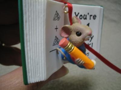 HALLMARK TEACHER KEEPSAKE ORNAMENT MOUSE 1995 MIB
