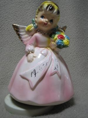 Musical Sankyo Angel w/ Flower Bouquet