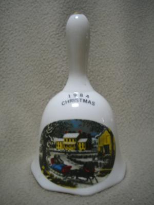 Commemorative 1984 Christmas Bell Horse Sleigh Scene