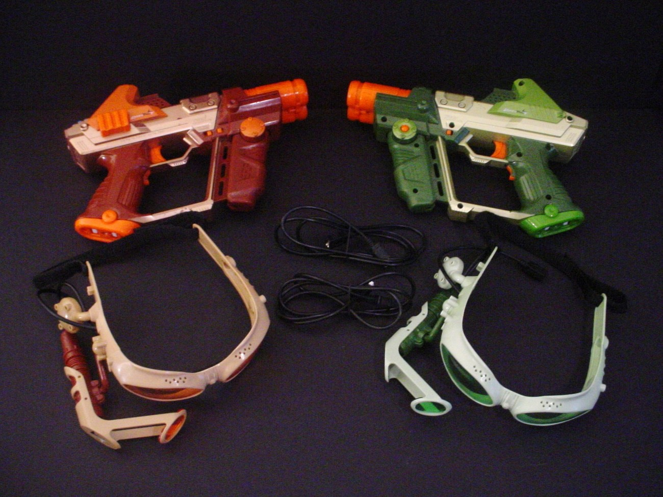 Tiger Lazer Tag Team OPS Deluxe Laser Guns an Goggles