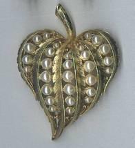 Vintage Heart Shaped Pin Brooch Goldtone Metal Faux Pearls - $4.95