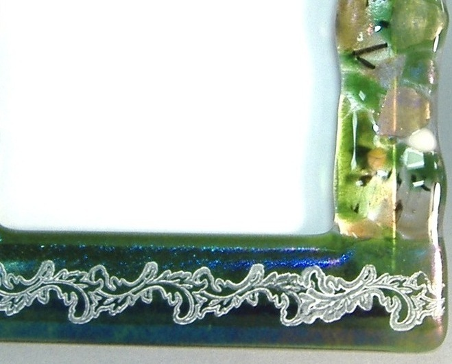 Green Potpourri Leaf Fused Glass Picture Frame Handcrafted 4 x 6 Photo