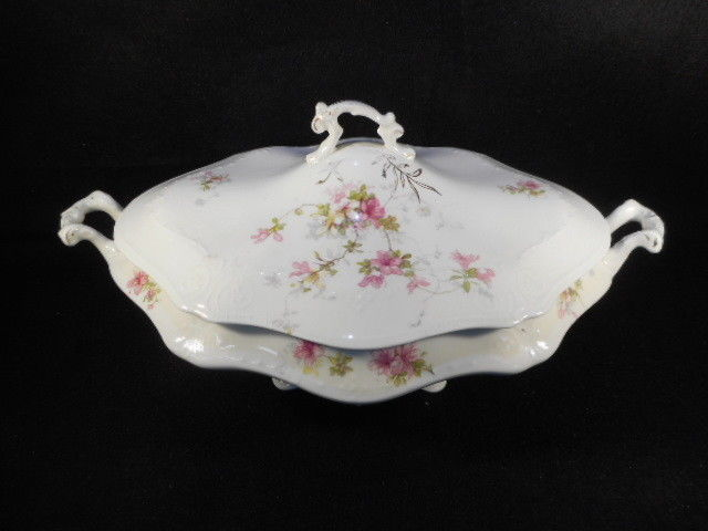 Vintage WH Grindley & Company Handled Covered Casserole Dish