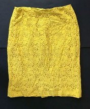 Ann Taylor Bright Yellow Lace Pencil Skirt 6 8 Floral Lined Quirky Fashion - $7.91