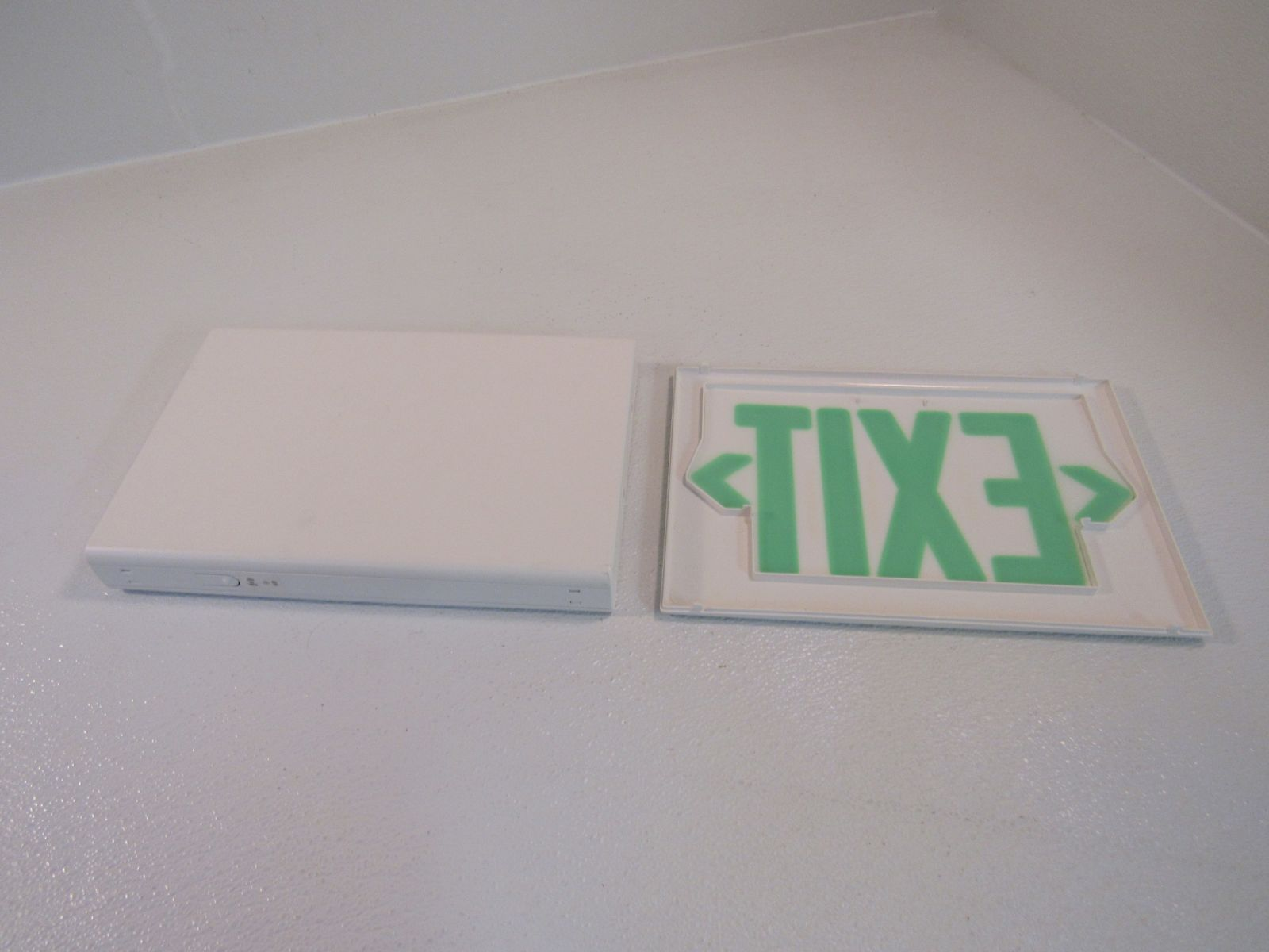 Hubbell 13in x 9in Lighted Exit Sign Single Side 120 VAC 277 VAC LXUGW