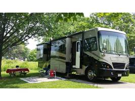 2008 Tiffin Motorhomes 37QDB Class A For Sale In Bloomington, IN 47403 image 1