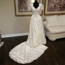 Alfred Angelo Wedding Dress Ballroom Gown Size 10 Candlelight V Neck NWT... - $60.38