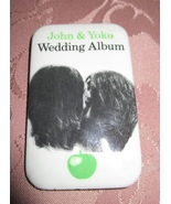 VINTAGE BEATLES PINBACK BUTTON JOHN LENNON & YOKO ONO WEDDING ALBUM LP 1970's - £7.71 GBP