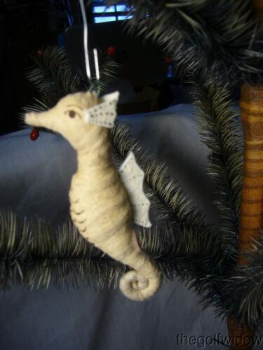 Vnitage Spun Cotton Christmas Sea Horse no. A52