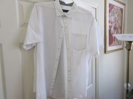 Tommy Bahama , Men's Short Sleeve Shirt , XL/TG  ,99%Cotton 1% Spandex - $25.00