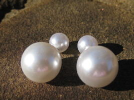 Haunted Jackie O Socialite RICHES WEALTH AND status pearl spell cast earrings - $15.00