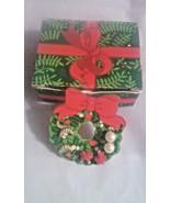STUNNING VINTAGE ESTATE AVON TINY CHRISTMAS HOLIDAY TRIO EARRINGS ORIG BOX - $3.00