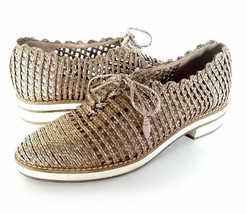 $385 STUART WEITZMAN 6 Lace up Taupe Perforated Oxfords Flats  *PRIMO* S... - $107.91