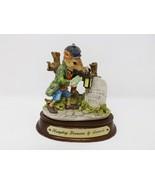 The Heritage Mint Little Nook Village #LN-09 Humphrey Dormouse By Leonar... - $9.99