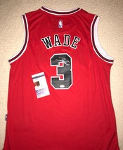 85db5abb233 Dwayne Wade Signed Auto CHICAGO BULLS BASKETBALL Jersey PHOTO PROOF JSA COA  -  346.49