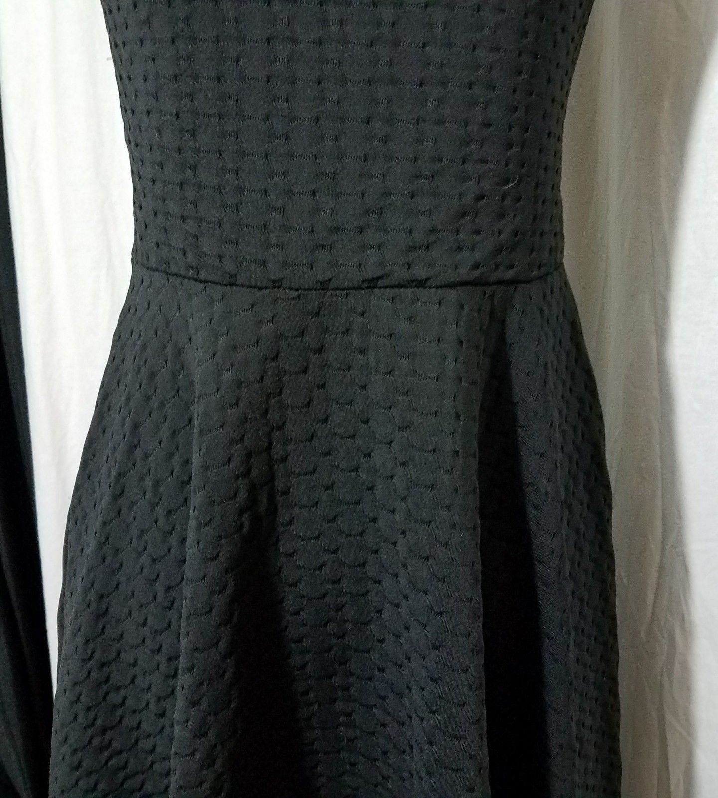 Nordstroms Black  Dress Round Neckline Keyhole Back Sleeveless Size Med/large