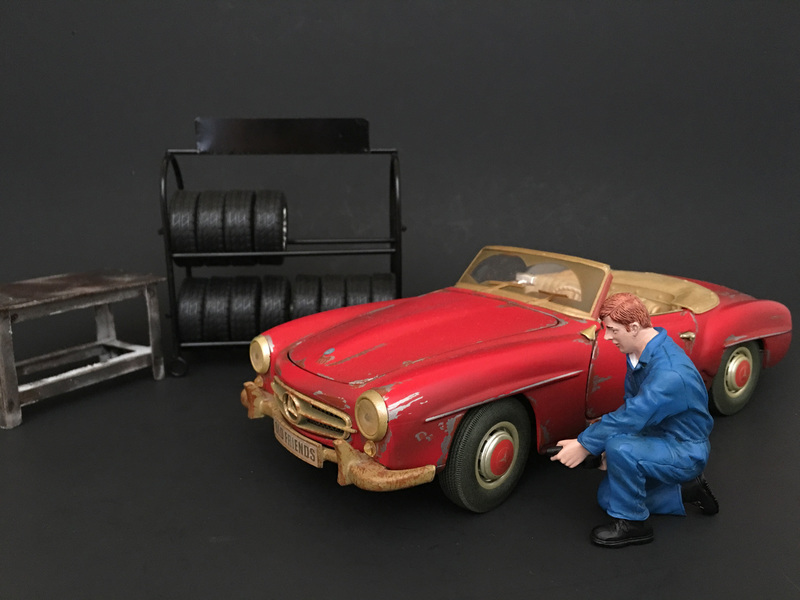 Mechanic Tony Inflating Tire Figure For 1:24 Scale Models by American Diorama