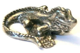 Iguana Fine Pewter Figurine - Approx. 7/8 inch Long     (T233) image 2