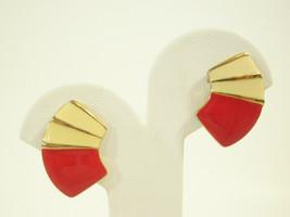 RED n CREAM ENAMEL GOLD PLATE FAN HUGGIE CLIP EARRINGS BEIGE VINTAGE ESTATE - $13.85
