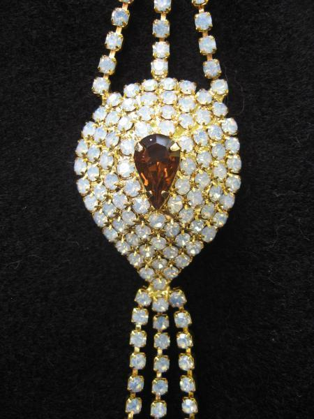 Looking for Great Vintage Costume Jewelry