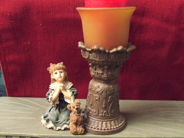 Boyd and Friends Teresa John the Prayer 1E423 Yesterdays Child Retired MIB