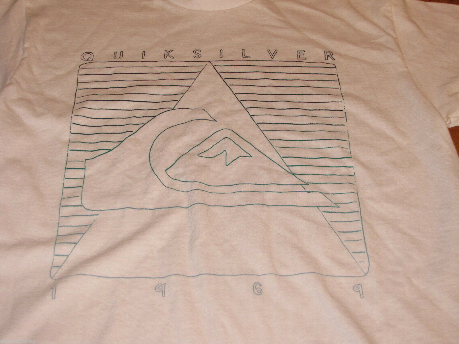 Boys youth Quiksilver 1969 L large white short sleeve T shirt L NWOT NEW