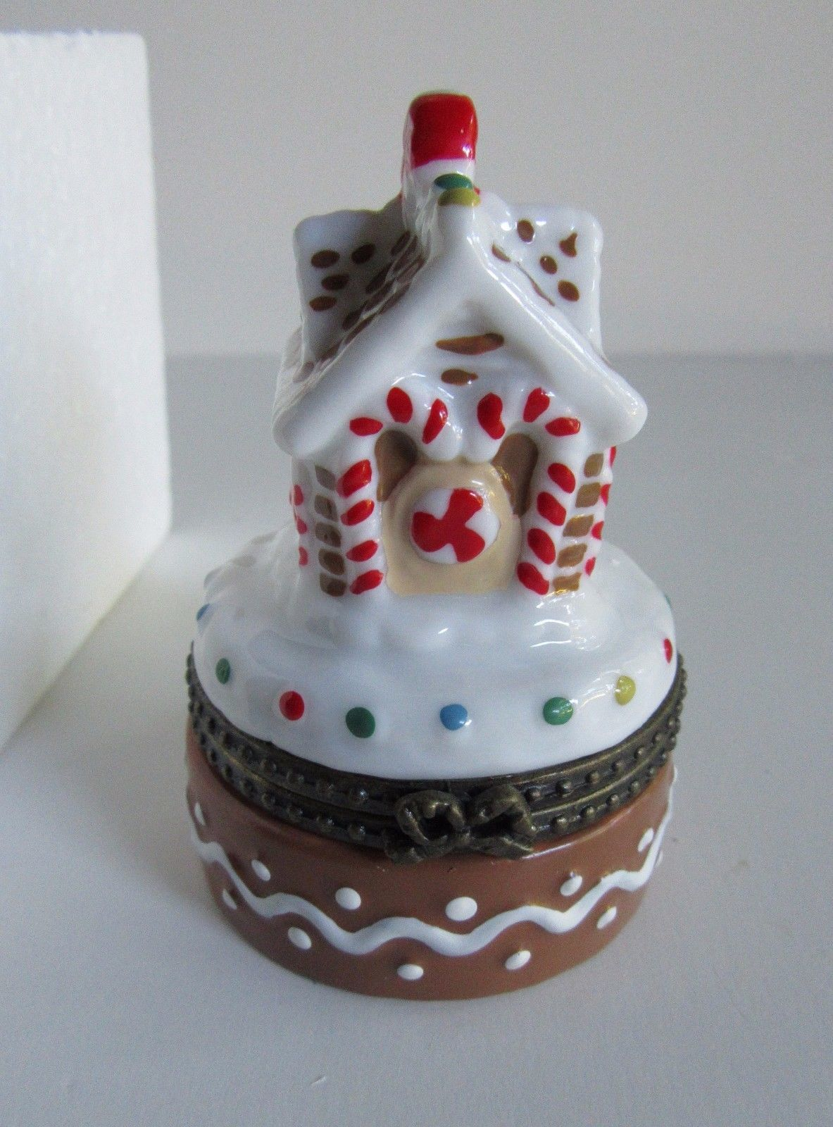 Primary image for Avon Gingerbread House Porcelain Trinket Box and Tiny Gingerbread Man 1997 New