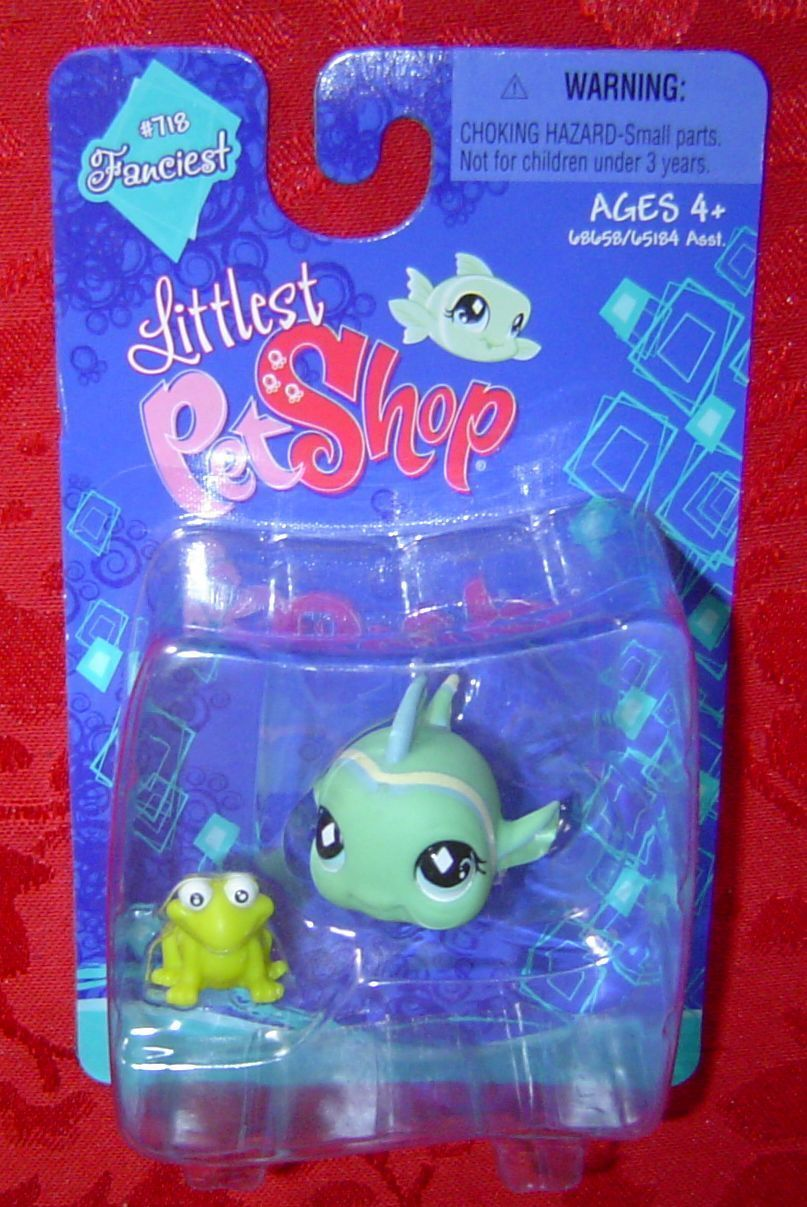 Littlest pet shop fish with frog 715 fanciest mlp for Fish and more pet store