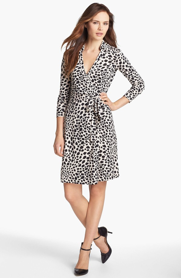 a0804bbc7fb9c Diane Von Furstenberg New Jeanne Two wrap and 50 similar items. 7943305
