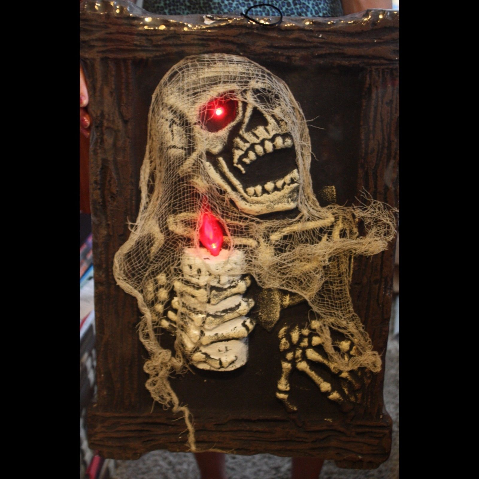 HUGE 3-D Zombie Skeleton LIGHT UP PICTURE PORTRAIT Halloween Prop Decoration-NEW