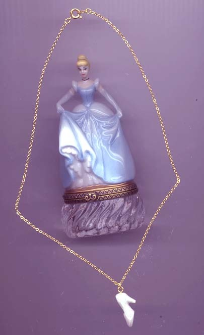 Disney Cinderella Figurine Mint  PHB  USA