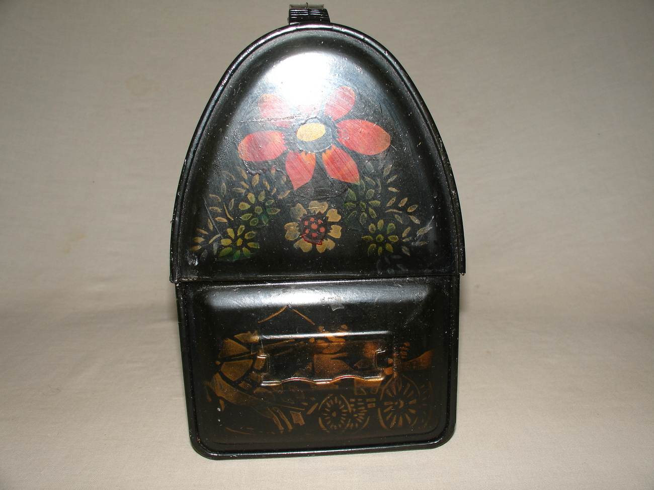 thermos lunch box black dome top vintage hand painted lunchboxes thermoses. Black Bedroom Furniture Sets. Home Design Ideas