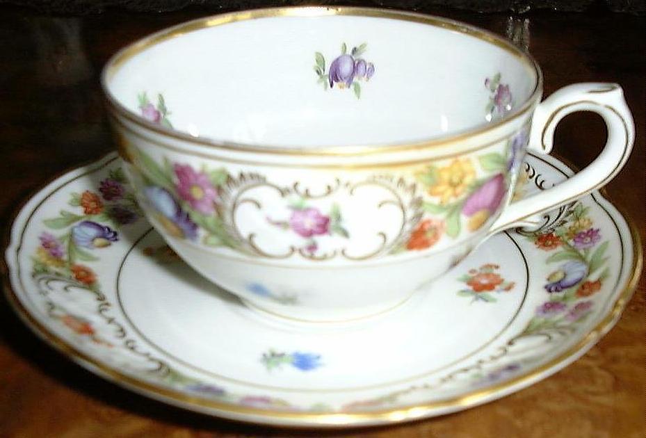 Dresden  schumann cup   saucer