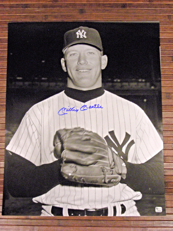 MICKEY MANTLE YANKEES ROOKIE SIGNED AUTO 16X20 PHOTO GLOBAL SCOREBOARD AUTHENTIC