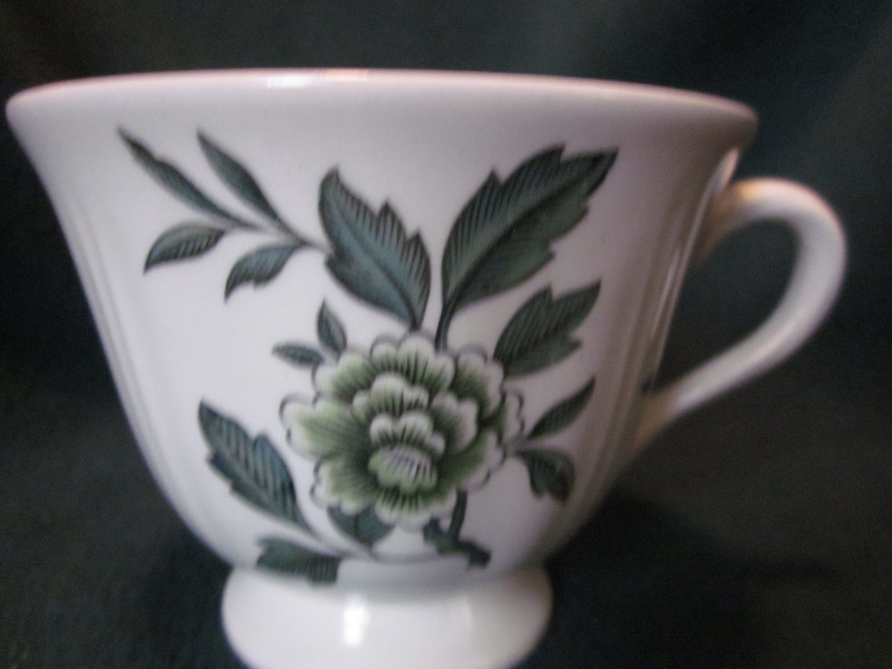 Wedgwood Green Leaf Barlastin Replacement Cup Lot 3