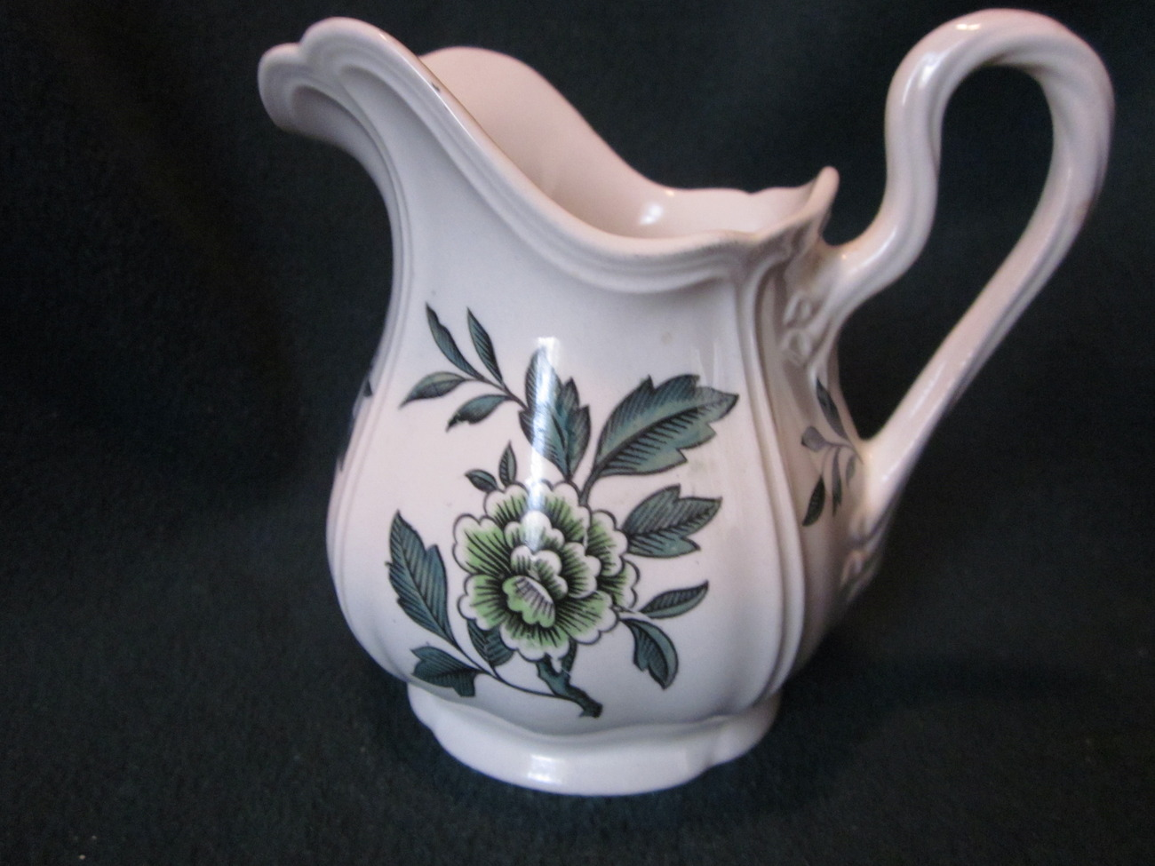 Wedgwood Green Leaf Barlastin Replacement Creamer 4.5 inches tall