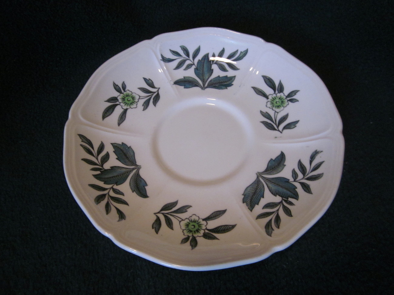 Wedgwood Green Leaf Barlastin Replacement Saucer Lot 1