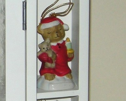 White Wood Glass Cabinet Christmas Ornaments Hallmark Candle New 7