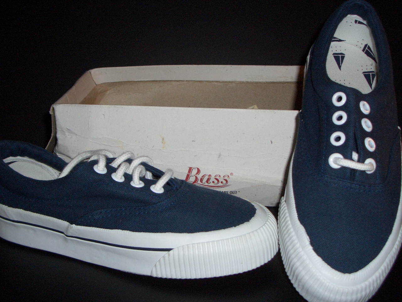 Boys G.H. Bass Navy Canvas Boat Shoes Sz 2 New - Athletic