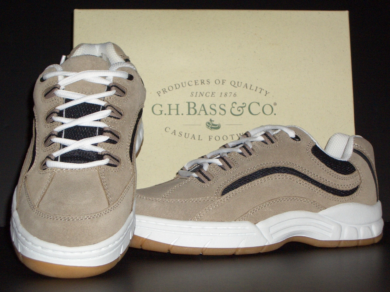 Boys G.H. Bass Suede Leather Athletic Shoes Sz 5 M New