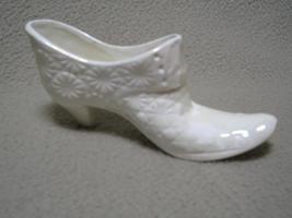 Vintage White Handmade Porcelain Slipper Shoe Daisy - $4.00