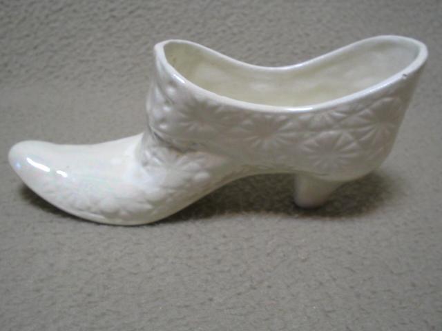 Vintage White Handmade Porcelain Slipper Shoe Daisy