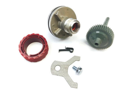 Primary image for 700R4 Speedometer housing with 44 & 17 tooth gear combinations w clip & Bracket